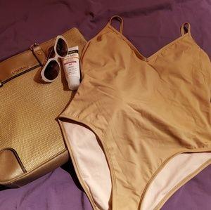 NWOT LA Hearts V Neck Swimsuit